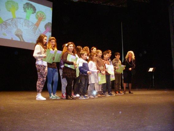 premiazione bambini vincitori (2)