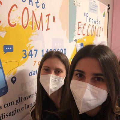 Benedetta Antonucci e Vittoria Di Donato, due studentesse del classico di Pescara volontarie a Pronto eccomi