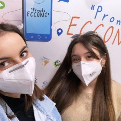 Cecilia prosperi e Gaia Ossorio, due studentesse del classico di Pescara volontarie a Pronto eccomi
