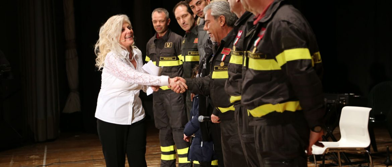 """""""Yes Man - Domenico Allegrino Prix national"""": l'édition 2015 récompense histoires Domenico Fazzari, Fire Department de Pescara, Mariella et Mino Cantamessa."""