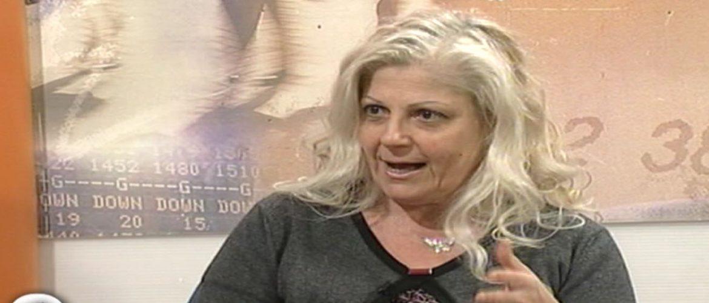 """Antonella Allegrino ospite del programma di Tvq """"Porte aperte"""" per parlare dell'iniziativa """"Un barcone per vivere""""."""